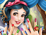 Snow White Perfect Nails